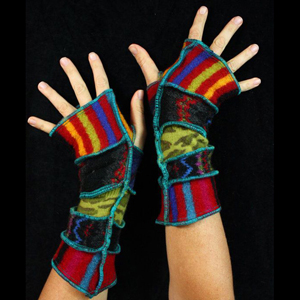 Make your own Katwise Armwarmers with <a target='_blank' href='https://www.etsy.com/listing/88142928/arm-warmer-pattern-great-christmas-gift?ref=shop_home_feat_3' title='Armwarmer Tutorial' > my tutorial</a>   <a target='_blank' href='http://pinterest.com/pin/create/link/?media=http%3A%2F%2Fwww.katwise.com%2Fimg%2Fclothing%2Farmwarmer_011.jpg' title='Pin It!'  <a class='icon fa fa-pinterest fa-fw fa-lg' ></a>