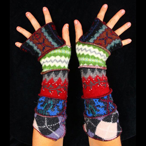 Make your own Katwise Armwarmers with <a target='_blank' href='https://www.etsy.com/listing/88142928/arm-warmer-pattern-great-christmas-gift?ref=shop_home_feat_3' title='Armwarmer Tutorial' > my tutorial</a>   <a target='_blank' href='http://pinterest.com/pin/create/link/?media=http%3A%2F%2Fwww.katwise.com%2Fimg%2Fclothing%2Farmwarmer_014.jpg' title='Pin It!'  <a class='icon fa fa-pinterest fa-fw fa-lg' ></a>