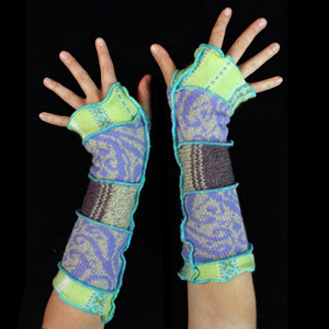 Make your own Katwise Armwarmers with <a target='_blank' href='https://www.etsy.com/listing/88142928/arm-warmer-pattern-great-christmas-gift?ref=shop_home_feat_3' title='Armwarmer Tutorial' > my tutorial</a>   <a target='_blank' href='http://pinterest.com/pin/create/link/?media=http%3A%2F%2Fwww.katwise.com%2Fimg%2Fclothing%2Farmwarmer_019.jpg' title='Pin It!'  <a class='icon fa fa-pinterest fa-fw fa-lg' ></a>