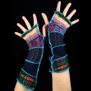 Make your own Katwise Armwarmers with <a target='_blank' href='https://www.etsy.com/listing/88142928/arm-warmer-pattern-great-christmas-gift?ref=shop_home_feat_3' title='Armwarmer Tutorial' > my tutorial</a>   <a target='_blank' href='http://pinterest.com/pin/create/link/?media=http%3A%2F%2Fwww.katwise.com%2Fimg%2Fclothing%2Farmwarmer_022.jpg' title='Pin It!'  <a class='icon fa fa-pinterest fa-fw fa-lg' ></a>