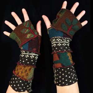 Make your own Katwise Armwarmers with <a target='_blank' href='https://www.etsy.com/listing/88142928/arm-warmer-pattern-great-christmas-gift?ref=shop_home_feat_3' title='Armwarmer Tutorial' > my tutorial</a>   <a target='_blank' href='http://pinterest.com/pin/create/link/?media=http%3A%2F%2Fwww.katwise.com%2Fimg%2Fclothing%2Farmwarmer_024.jpg' title='Pin It!'  <a class='icon fa fa-pinterest fa-fw fa-lg' ></a>
