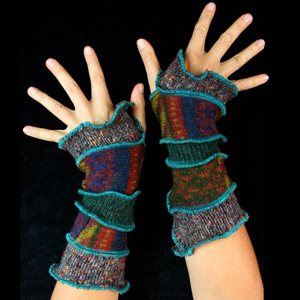 Make your own Katwise Armwarmers with <a target='_blank' href='https://www.etsy.com/listing/88142928/arm-warmer-pattern-great-christmas-gift?ref=shop_home_feat_3' title='Armwarmer Tutorial' > my tutorial</a>   <a target='_blank' href='http://pinterest.com/pin/create/link/?media=http%3A%2F%2Fwww.katwise.com%2Fimg%2Fclothing%2Farmwarmer_026.jpg' title='Pin It!'  <a class='icon fa fa-pinterest fa-fw fa-lg' ></a>